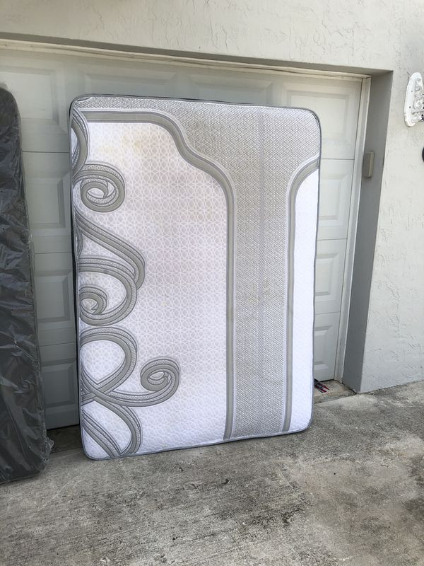 Full Size Mattress & Boxspring set