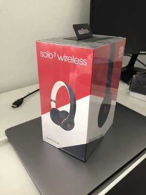 Brand New Beats Solo3 Wireless Headphones Club Navy for Sale in Los Angeles, CA