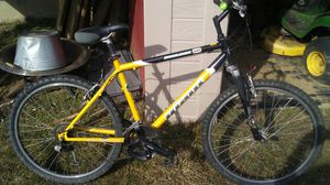 Giant Mens mountain bike for Sale in Independence, KY