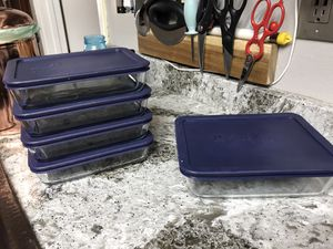 Pyrex rectangular food storage containers with blue lids. for Sale in Chula Vista, CA