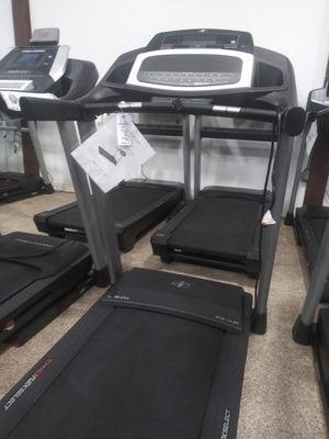 Nordictrack L6.0s Treadmill 3 YEAR WARRANTY!! for Sale in Los Angeles, CA