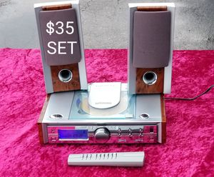 SUPERSONIC DVD PLAYER AM/FM STEREO WITH REMOTE CONTROL for Sale in Houston, TX