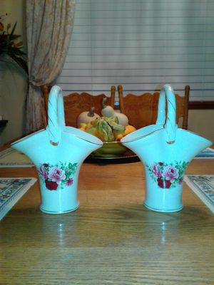 Porcelain Flowers Vase Basket for Sale in Puyallup, WA