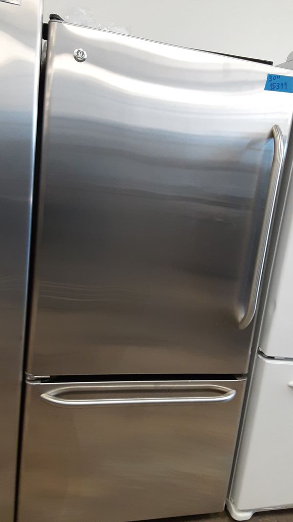 GE stainless steel bottom freezer