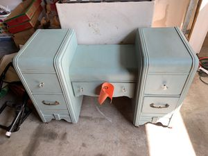 Kids desk, antique for Sale in Tracy, CA