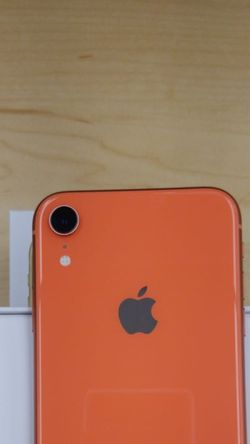 """iPhone XR 64GB FACTORY UNLOCKED"""" Like new with warranty for Sale in Silver Spring,  MD"""