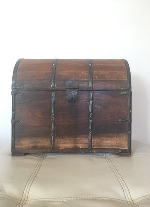 Antique Heavy Wood Box for Bottles for Sale in Los Angeles, CA