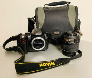 Nikon D5000 Digital Camera 🎥 📸 with 18-55mm VR Lens for Sale in Washington, DC