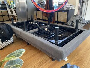 Two Classic Brands Adjustable Bed Base with Massage for Sale in San Leandro, CA