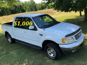 🔑$1,OOO I'm seling URGENTLY 🔑2OO2 Ford F-15O Super Crew Cab 4-Door Runs and drives very smooth Clean Title🔑🔑🔑 for Sale in Washington, DC