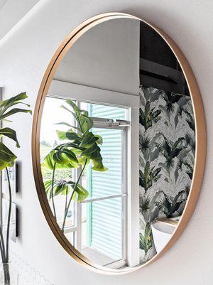 """31.5"""" Round Gold Metal Mirror Deep Set Design for Sale in Mukilteo, WA"""