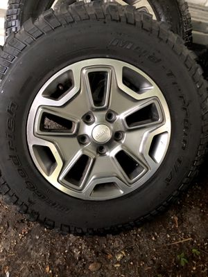 "Jeep Rubicon OEM Rims & Wheels 17"" Set of 4 for Sale in Miami, FL"
