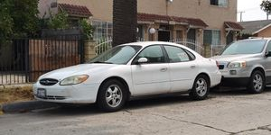 03 Ford Taurus SE for Sale in Long Beach, CA