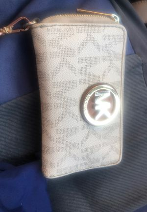 Mk kors wallet for Sale in Chicago, IL