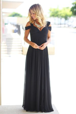 Black off the shoulder Maxi for Sale in Scottsdale, AZ