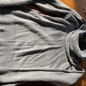 Tahari 100% Wool Sweater for Sale in Raleigh, NC