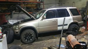 Parting out 2001 CRV for Sale in Detroit, MI