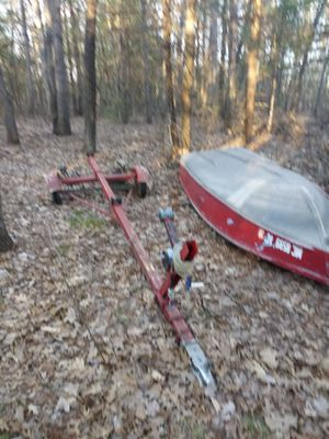 14 foot boat and trailer with 40 pound thrust trolling motor 500. {contact info removed} for Sale in Big Rapids, MI