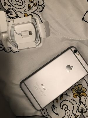 iPhone 6 & Headphones for Sale in Saint Charles, MO