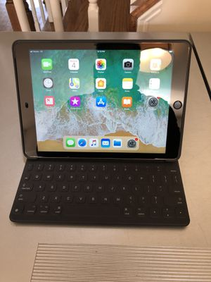 iPad Air 2 Black 32gb w/ Keyboard Cover - $380 for Sale in Sully Station, VA