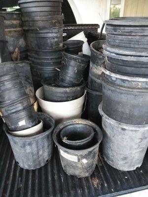 Free flower pots for Sale in Riverside, CA