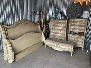 King bedroom furniture for Sale in Las Vegas, NV