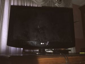 LG 32 INCH HD TV for Sale in North Miami Beach, FL