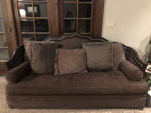 """Brown couch 87"""" x 40"""" with multiple pillows for Sale in Scottsdale, AZ"""