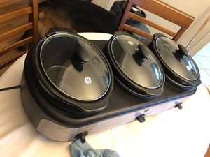 GE 3 compartment slow cooker for Sale in Silver Spring, MD