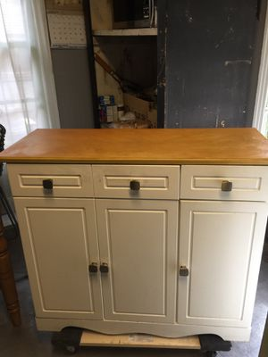 Kitchen island with stainless steel knobs for Sale in Dallas, TX