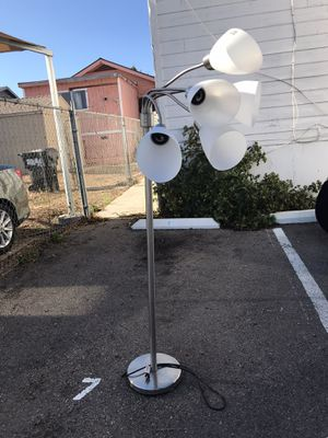5 bulb lamp for Sale in San Diego, CA