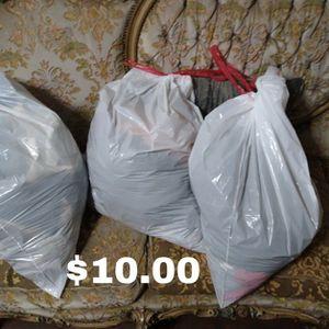 Women's Small Clothingb for Sale in Chino, CA