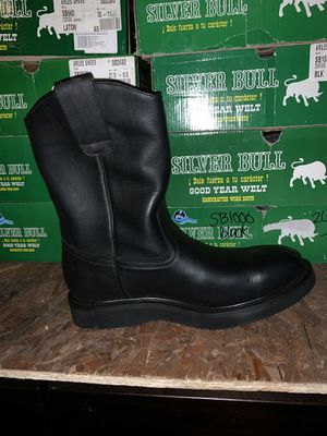 MENS WORK BOOTS. ALL LEATHER. DIFFERENT STYLES AND SIZES. WOULD MAKE GREAT FATHERS DAY GIFTS. for Sale in Ridgefield, WA