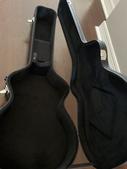 Guitar Hardshell Case, Excellent Condition, Extra Padding Inside For More Protection. for Sale in Dublin,  OH