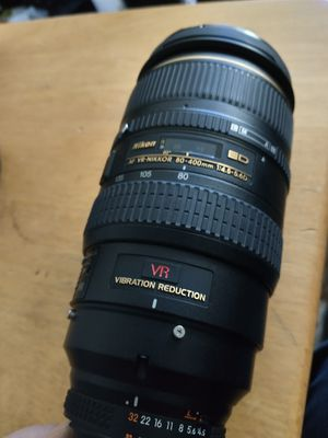 Clean Nikon 80-400mm ED VR lens for Sale in Downers Grove, IL