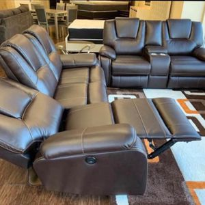 Power Reclining Sofa And Love Available For Immediate Delivery for Sale in Massapequa, NY