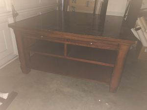 *FREE* solid wood coffee table for Sale in Azusa, CA