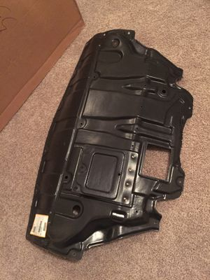 Under engine cover for Infiniti G35 for Sale in Dallas, TX