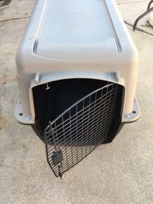 Dog kennel large size. for Sale in San Diego, CA