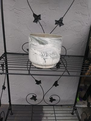 """Better Homes and Gardens 6"""" Marble flower pot. for Sale in Venice, FL"""