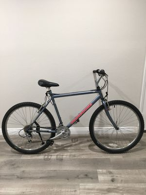 """(Great Condition) 26"""" MONGOOSE 21 SPEED MOUNTAIN BIKE for Sale in Mission Viejo, CA"""