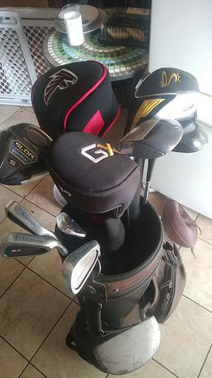 Golf clubs with carrying bag for Sale in Tampa, FL