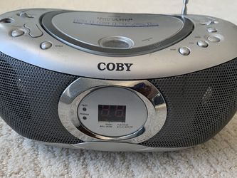 Portable CD / Radio Player for Sale in McDonald,  PA