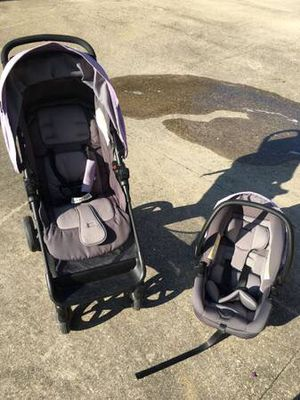 Safety 1st baby car seat and stroller for Sale in Lafayette, LA