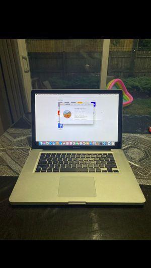 MacBook pro 13, 700gb, 2015year, 13-inch for Sale in Ponte Vedra Beach, FL