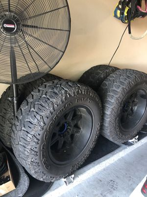 37x12.5r20 for Sale in Tampa, FL