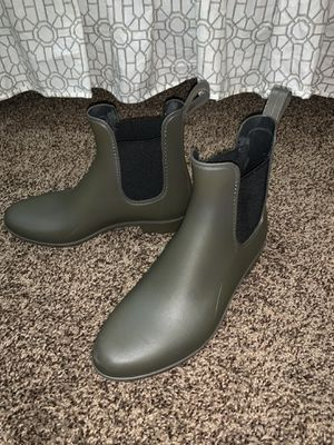 Rain boots size 6 for Sale in Newport News, VA
