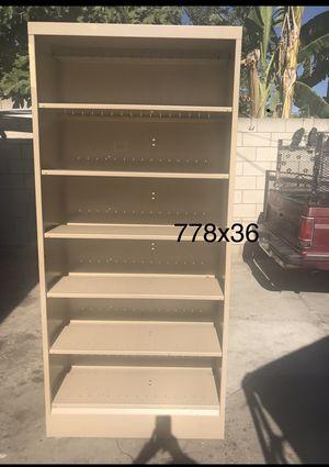 Libreros. Las tapas son fijas for Sale in Los Angeles, CA