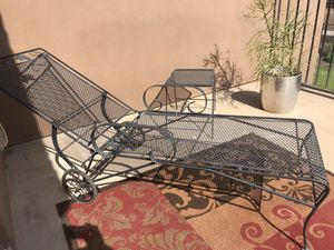 Wrought Iron Patio Set & Chaise Lounge- 2 Chairs, Table, Side Table, Rug & Chaise for Sale in Peoria, AZ