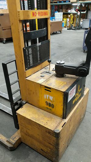 Big Joe forklift battery powered for Sale in Fresno, CA
